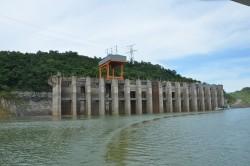 Mức nước hồ Hòa Bình đang thấp hơn 10 mét so với cùng kỳ hằng năm