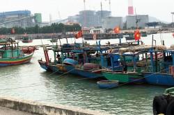 Tạo điều kiện cho 450 tàu đánh cá tránh bão tại cảng Nhiệt điện Nghi Sơn