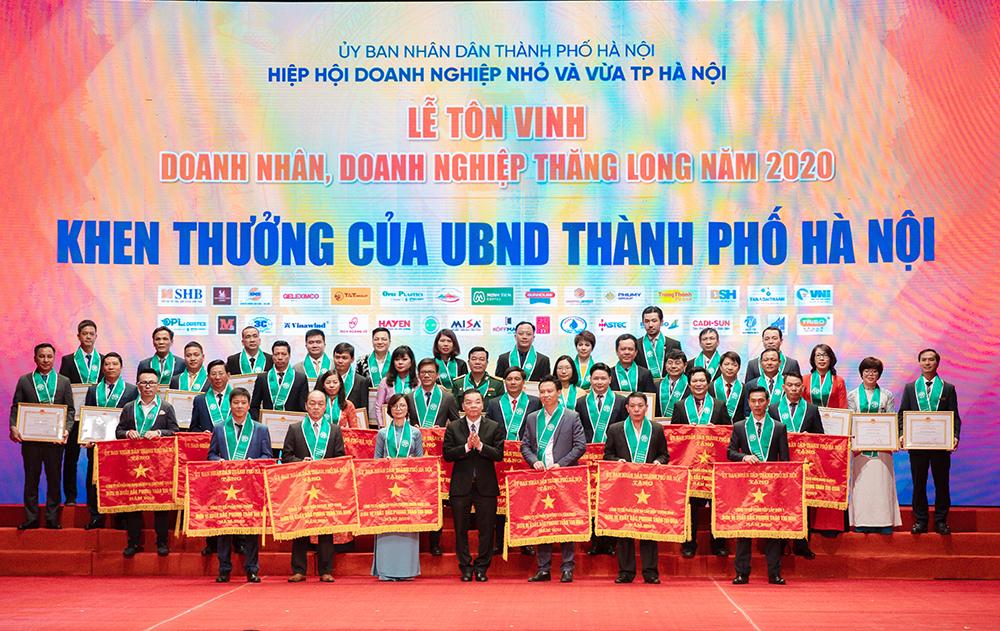 CADI-SUN đón nhận Cờ thi đua của UBND TP Hà Nội