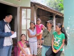 EVN hỗ trợ người dân bị ảnh hưởng động đất ở huyện Bắc Trà My