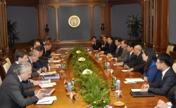 Chủ tịch PVN Nguyễn Xuân Sơn làm việc với đối tác Nga