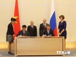 Việt Nam - Nga ký thêm nhiều hợp tác dầu khí mới