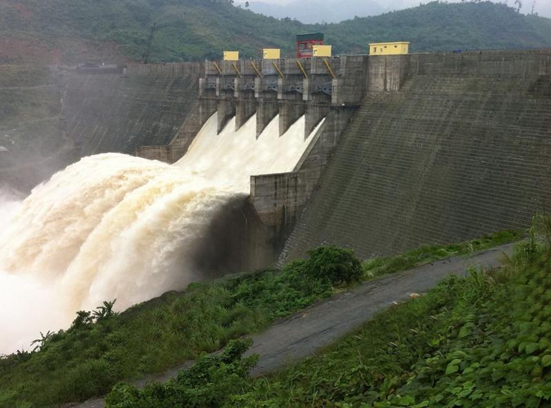 Thủy điện Sông Tranh 2 vận hành điều tiết hồ chứa