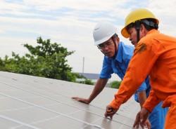 Ưu đãi cho CBCNV ngành điện khi lắp điện mặt trời áp mái