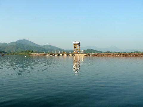 Cho phép hồ Thủy điện Sông Bung 2 tích nước trở lại
