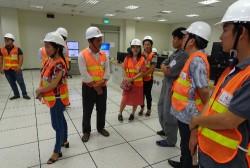 Công ty Nhiệt điện Vĩnh Tân đón khách thăm quan