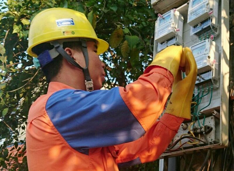 Công ty Điện lực Yên Bái: Nỗ lực cung cấp điện an toàn, ổn định