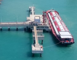 Công ty Nhiệt điện Vĩnh Tân xuất chuyến tro xỉ đầu tiên bằng đường biển