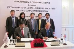 Vinacomin ký ghi nhớ hợp tác với HSBC