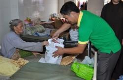 """PVFCCo triển khai chương trình """"Tết vì người nghèo"""""""