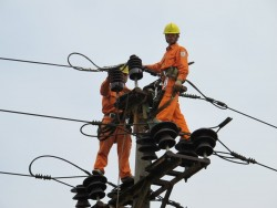 Nỗ lực cải tạo lưới điện trung, hạ áp nông thôn Bắc Ninh