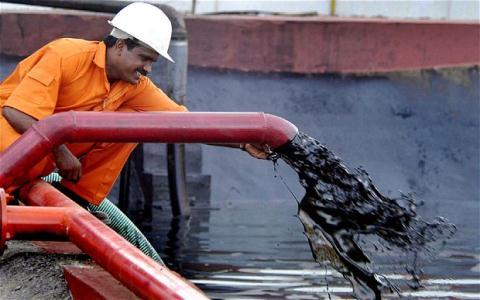 Cuộc chiến giá dầu: OPEC đang chơi trên cơ Nga, Mỹ?
