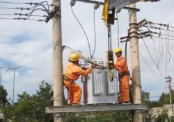 Đẩy nhanh tiến độ cấp điện cho các thôn tại Bắc Kạn