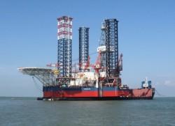Xuất khẩu giàn khoan dầu khí: Vẫn bí vốn