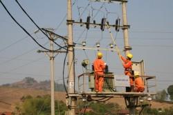 EVNNPC tăng cường an toàn lao động