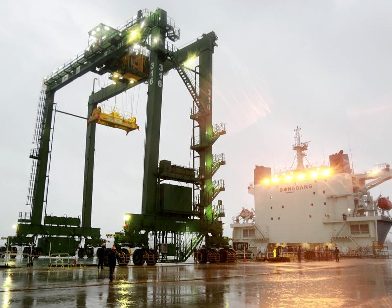 Doosan Vina xuất cẩu trục RTGC đến Ả Rập Saudi 1