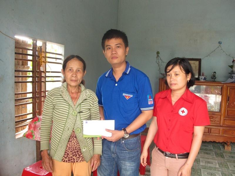 PVFCCo tiếp tục cứu trợ đồng bào vùng lũ miền Trung 3