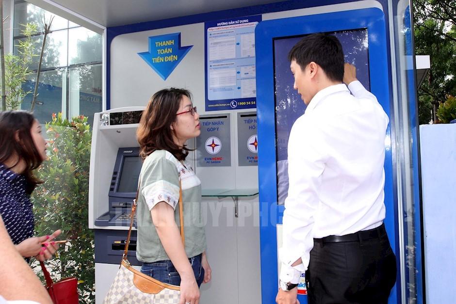 HCMC đưa vào hoạt động phòng giao dịch trực tuyến 24/7 1