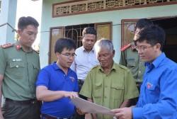 Tuổi trẻ EVN tuyên truyền bảo vệ hành lang hồ thủy điện Pleikrông