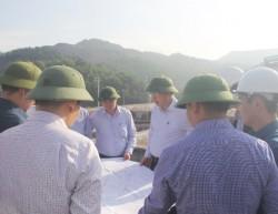 Kiếm tra tiến độ Trung tâm chế biến và kho than vùng Hòn Gai