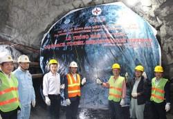 Thông hầm dẫn nước dự án mở rộng Nhà máy Thủy điện Đa Nhim