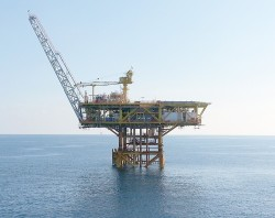 Khai thác dòng dầu đầu tiên mỏ Diamond thuộc Lô 01 và 02