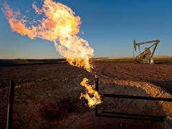 """Dầu đá phiến là """"tội đồ chính"""" khiến giá dầu giảm sâu?"""