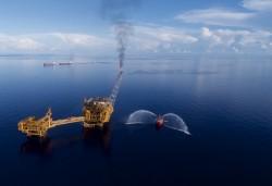Về quy định thuê mặt nước trong hoạt động dầu khí ngoài khơi