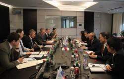 Petrovietnam gặp mặt các đối tác và nhà thầu dầu khí
