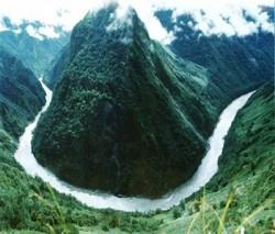 Trung Quốc lại gây hấn với láng giềng trên các dòng sông