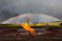 Thị trường năng lượng trước áp lực dầu đá phiến Hoa Kỳ