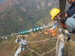 Tăng tốc mở rộng nguồn và hệ thống truyền tải điện
