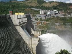 Lắp máy quan trắc địa chấn ở thủy điện Sông Tranh 2