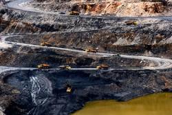 Sẽ xem xét lại việc thuê ngoài trong sản xuất than