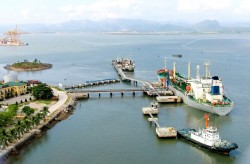 Tồn kho 'vượt giới hạn', PVN kiến nghị dừng nhập khẩu xăng, dầu