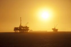 Chuyên gia Việt Nam dự báo về giá dầu trong ngắn hạn