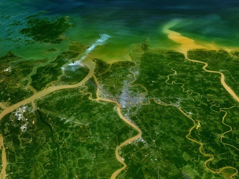 Giao thông, thủy điện trên Sông Hồng: Dự án to, nỗi lo lớn!