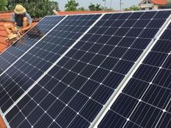 Quảng Bình khuyến khích phát triển điện mặt trời trên mái nhà