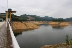 Lưu lượng nước hồ thủy điện miền Trung, miền Nam xuống thấp