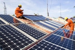 PC Bình Định hỗ trợ khách hàng lắp đặt điện mặt trời trên mái nhà