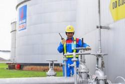 Hoạt động sản xuất của PVOIL trong 'điều kiện kinh doanh bất lợi'