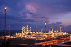 Xem xét phương án xuất khẩu dầu Dung Quất