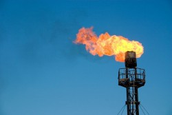 Dự thảo quy định đầu tư ra nước ngoài về dầu khí