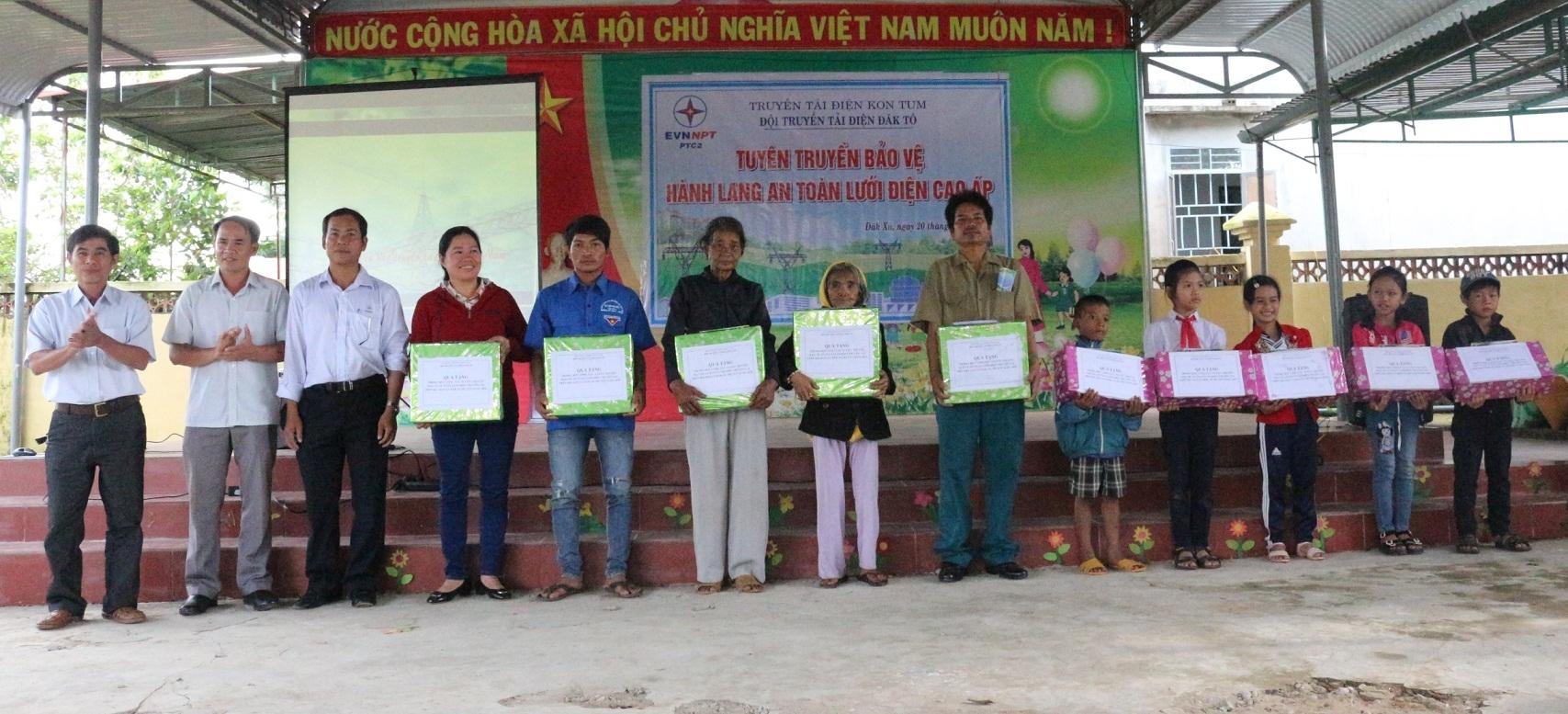 Truyền tải điện Kon Tum tuyên truyền bảo vệ an toàn lưới điện 2