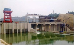 Thủy điện cột nước thấp đầu tiên của Việt Nam phát điện