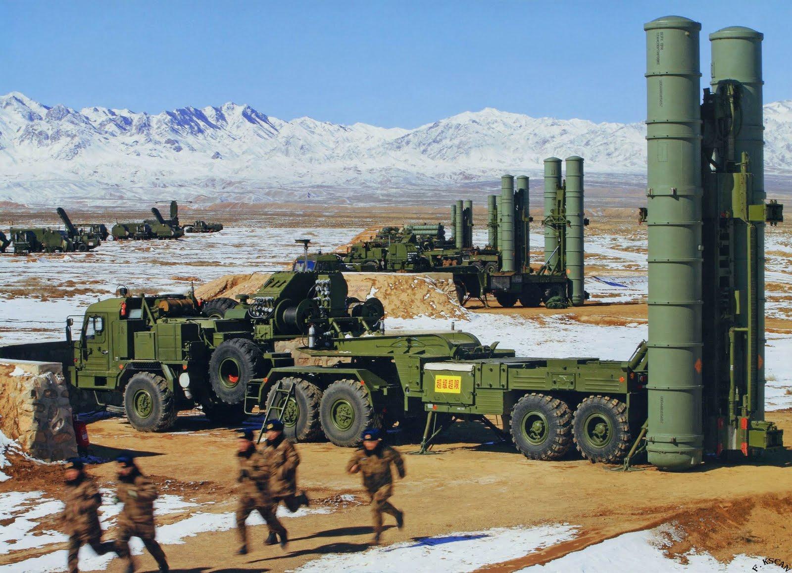 Seis sistemas de mísseis de defesa antiaérea S-400 Triumf para China