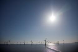 Bình luận về dự án điện gió ngoài khơi lớn nhất thế giới ở Việt Nam