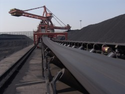 Cung cấp đủ than cho nhu cầu kinh tế là yêu cầu cấp bách