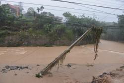 Lưới điện miền Bắc tiếp tục bị ảnh hưởng do mưa lũ
