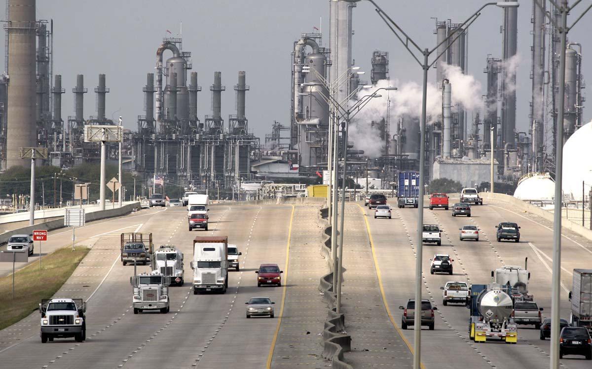 Ngành lọc - hóa dầu đang dịch chuyển từ Tây sang Đông?
